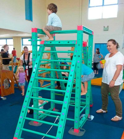 seacliff-kindergym-photo-gallery-boy-climbing-frame