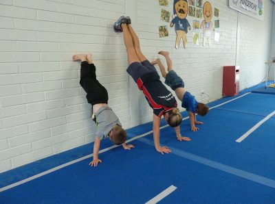 seacliff-kindergym-photo-gallery-clare-kids-handstand
