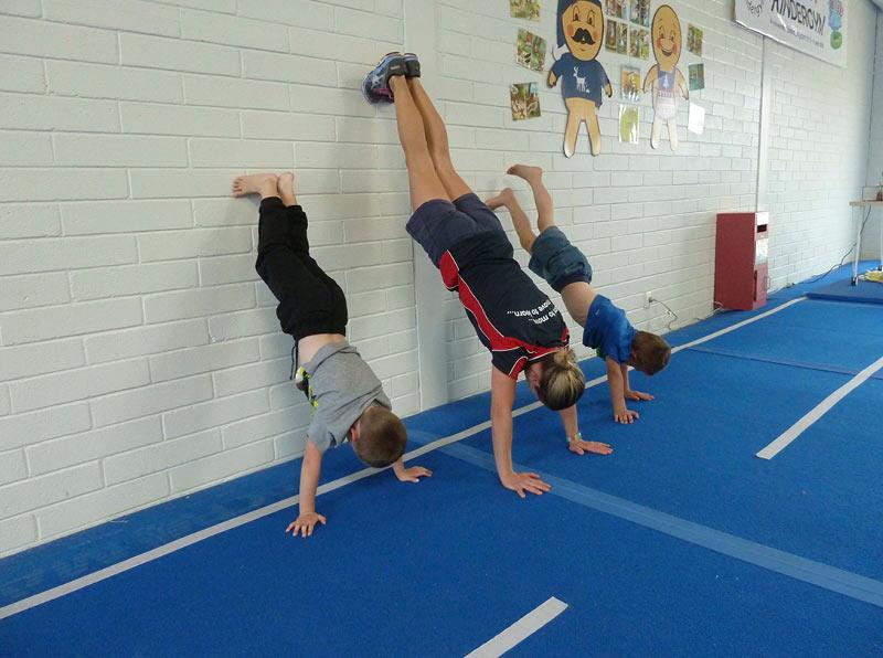 seacliff-kindergym-photo-gallery-clare-kids-handstand