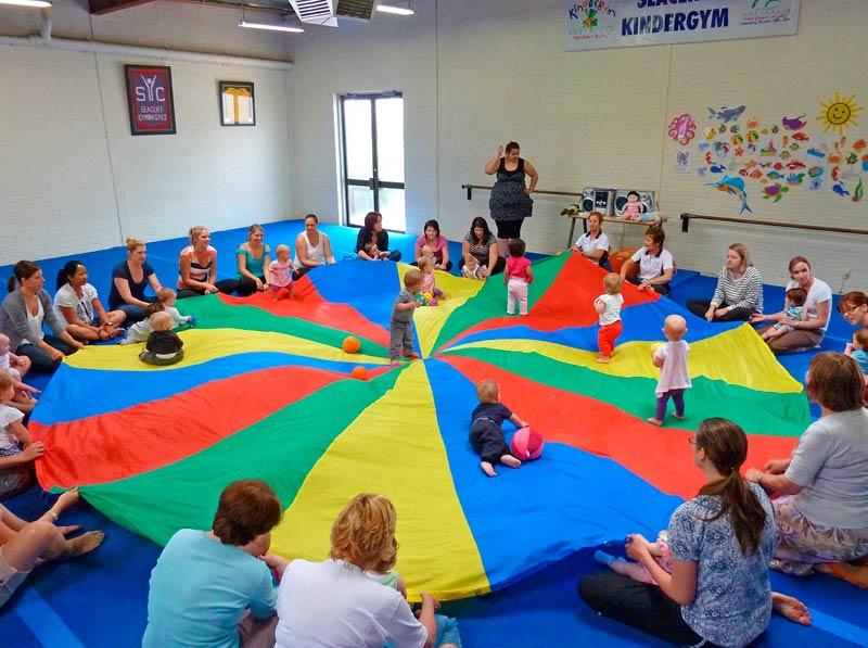 seacliff-kindergym-photo-gallery-fun-with-parachute