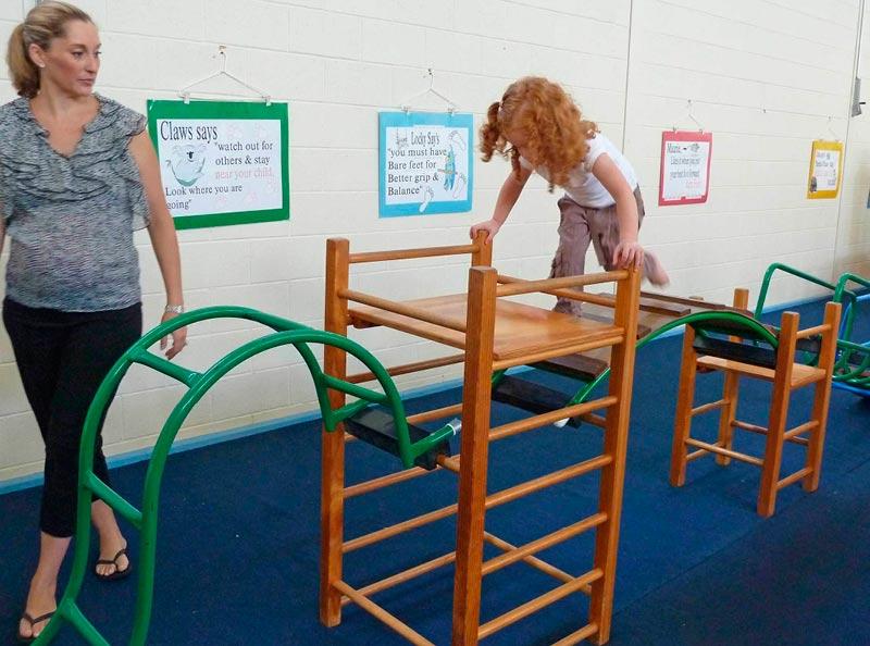 seacliff-kindergym-photo-gallery-girl-climbing-course